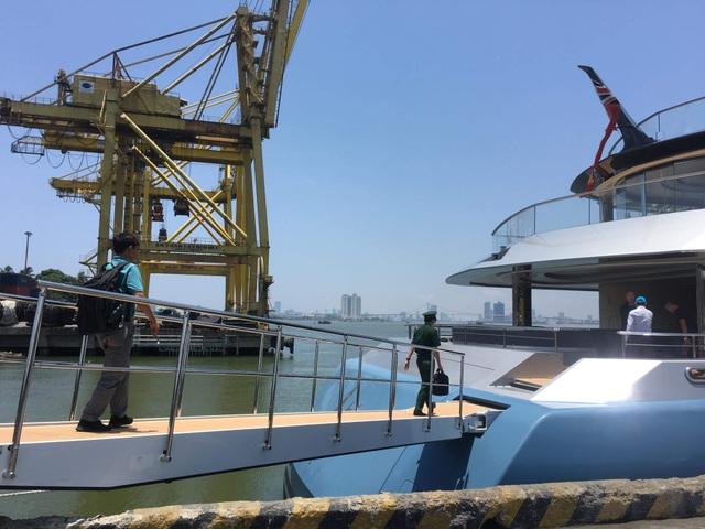 Du thuyền triệu đô của tỷ phú Anh đang ở Đà Nẵng - 4