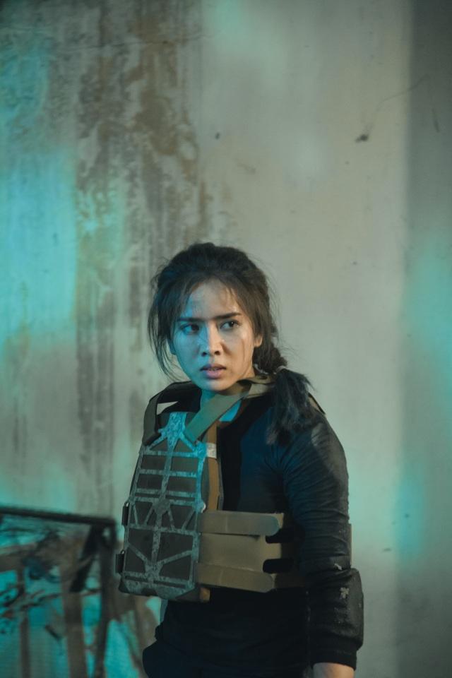 """Bella Mai bong gân, trật khớp... khi vào vai """"đả nữ"""" phim hành động - 2"""