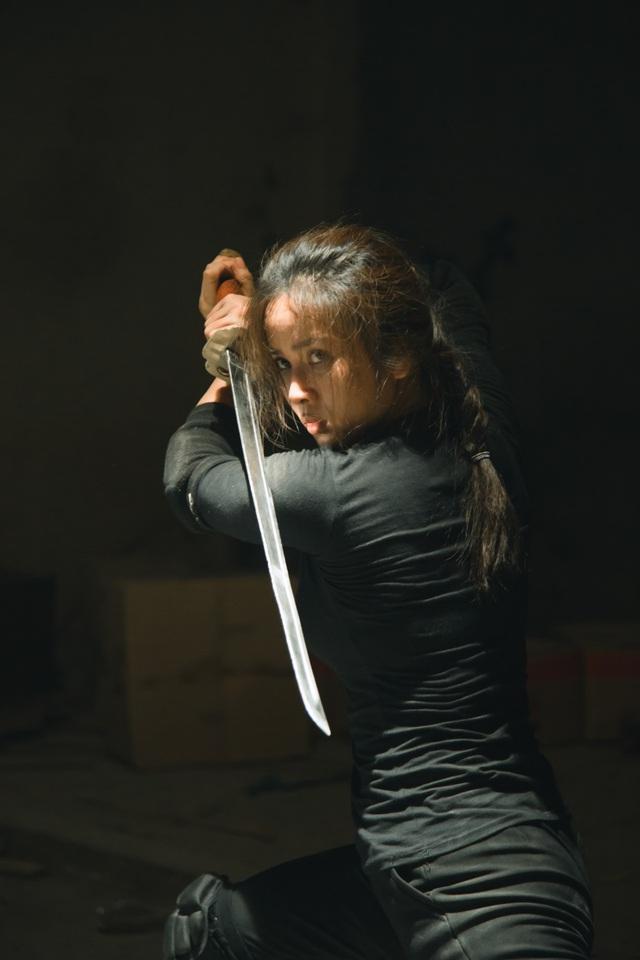 """Bella Mai bong gân, trật khớp... khi vào vai """"đả nữ"""" phim hành động - 5"""