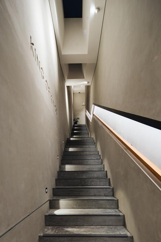 """Mất 7 năm cải tạo mới xong, căn nhà """"ruộng bậc thang"""" lột xác đẹp đến khó tin - 7"""