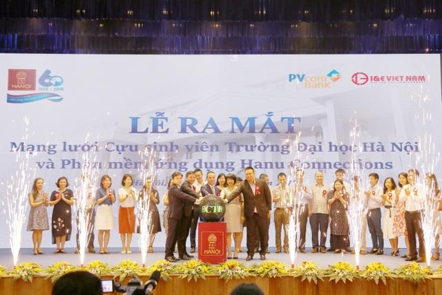 PVcomBank tài trợ Hệ thống kết nối cựu sinh viên trên ứng dụng di động đầu tiên tại Việt Nam - 2
