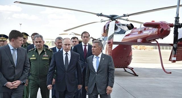 Ông Putin: Nga phải sở hữu lá chắn vũ khí siêu thanh đầu tiên - 1