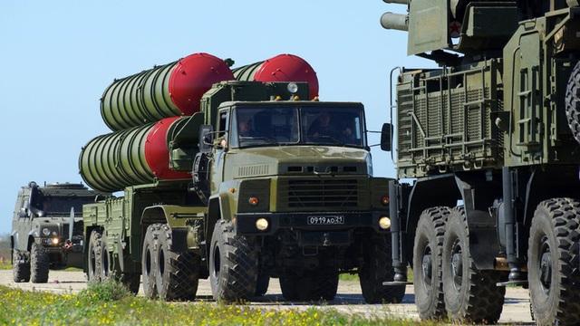 """Nghi vấn Ukraine tuồn """"rồng lửa"""" S-300 của Nga cho Mỹ - 1"""