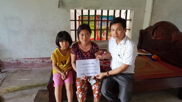 """Bạn đọc Dân trí giúp đỡ chị Thơm mắc """"bệnh hiểm"""" 35 triệu đồng - 1"""
