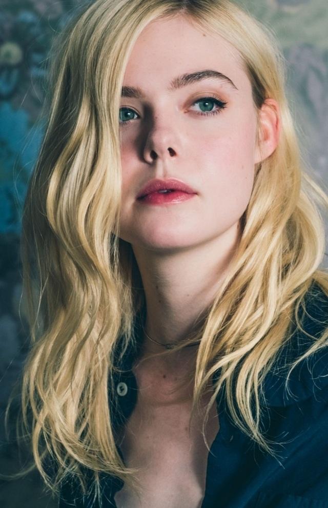 """Tài sắc của """"nàng thơ"""" 21 tuổi được ví như """"nữ thần sắc đẹp"""" ở Cannes - 1"""