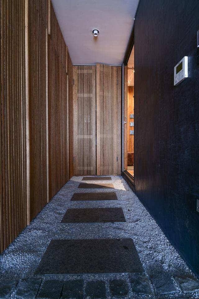 'Căn nhà gỗ giữa rừng Bắc Âu' ở Hà Nội đốn tim khách khó tính - 10