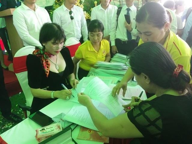 Bất động sản Phú Hồng Thịnh tiếp tục bàn giao sổ hồng sớm cho khách hàng - 5