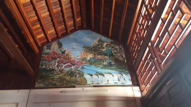 Bất ngờ trước ngôi nhà bằng gỗ lim của đại gia chân đất Hải Phòng - 14