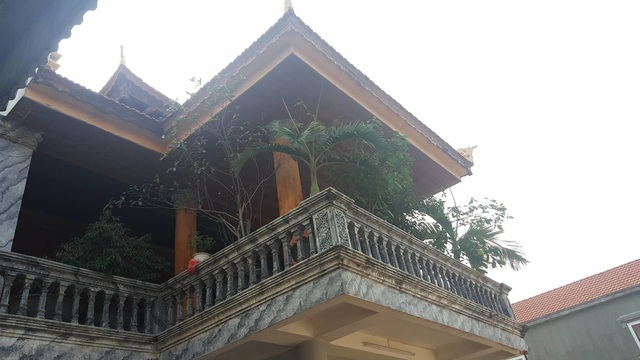 Bất ngờ trước ngôi nhà bằng gỗ lim của đại gia chân đất Hải Phòng - 2