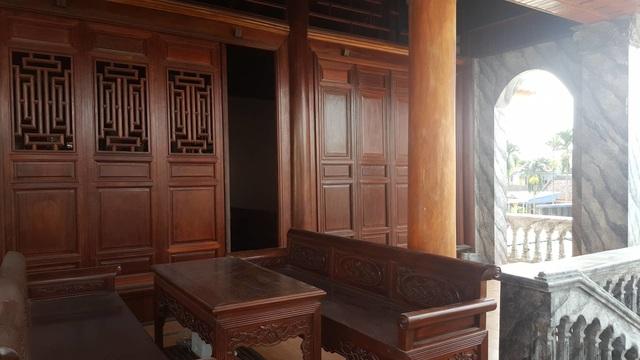 Bất ngờ trước ngôi nhà bằng gỗ lim của đại gia chân đất Hải Phòng - 4