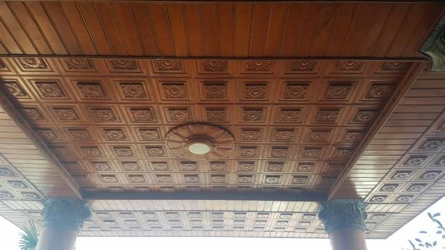Bất ngờ trước ngôi nhà bằng gỗ lim của đại gia chân đất Hải Phòng - 6