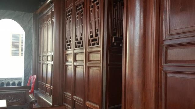 Bất ngờ trước ngôi nhà bằng gỗ lim của đại gia chân đất Hải Phòng - 7