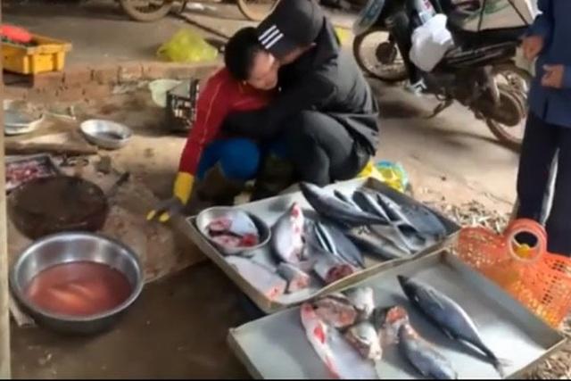 Clip chàng trai Đăk Lăk gặp mẹ bán cá sau 3 năm đi XKLĐ ở Nhật hút triệu view - 1