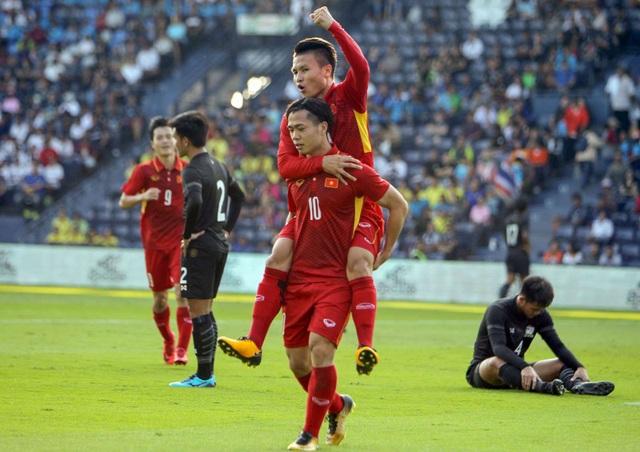 HLV Thái Lan chỉ ra cầu thủ nguy hiểm nhất của tuyển Việt Nam - 1