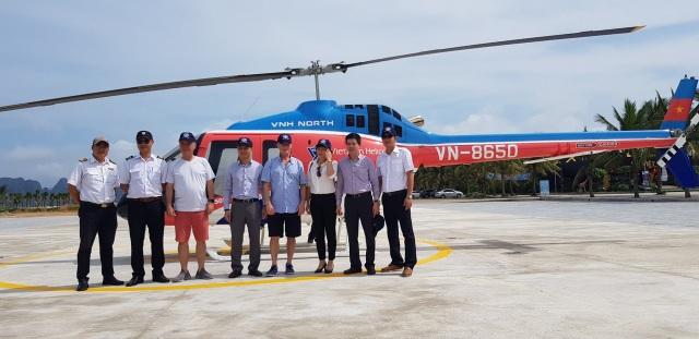 Chủ tịch và Tổng thư ký CLB Vịnh đẹp nhất thế giới trải nghiệm Halong Heli Tours - 1