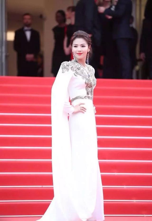 Lưu Đào: Người vợ quốc dân xinh đẹp lăn lộn giúp chồng đại gia trả nợ - 10