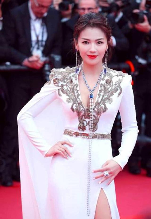 Lưu Đào: Người vợ quốc dân xinh đẹp lăn lộn giúp chồng đại gia trả nợ - 12