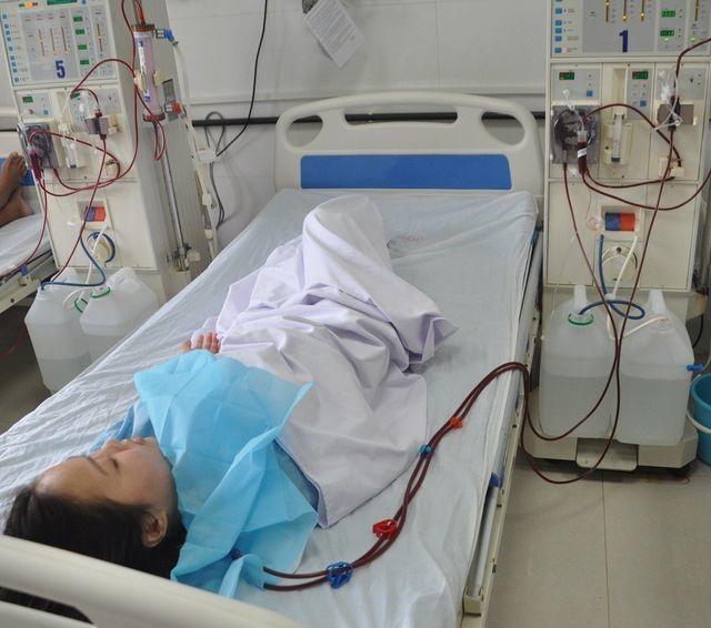 Nhờ sự chung tay của bạn đọc Dân trí, cô sinh viên trường ĐH Bách Khoa đã được ghép thận - 2