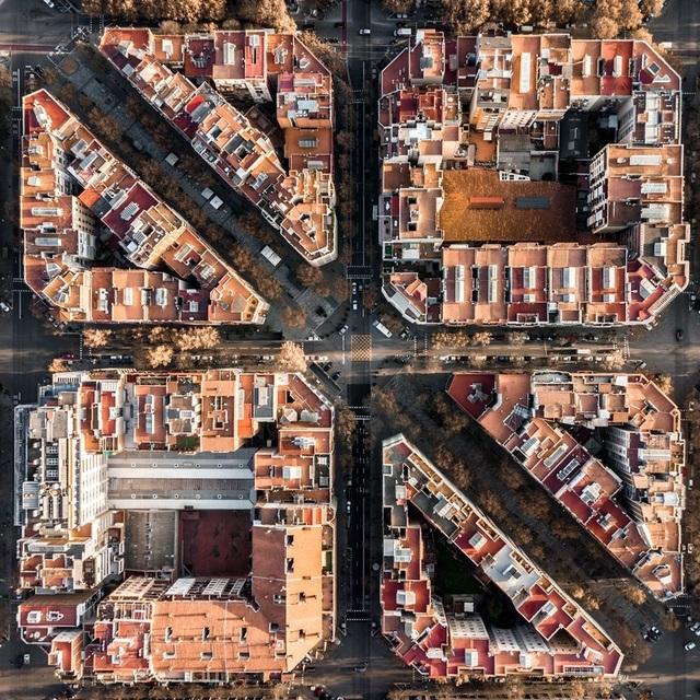 Vẻ đẹp lạ của kiến trúc Địa Trung Hải khi nhìn từ trên cao! - 4