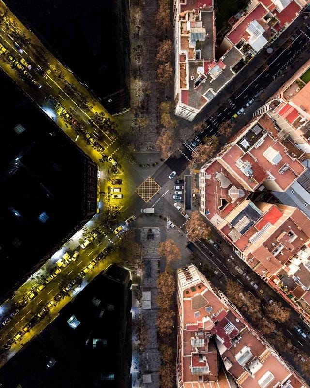 Vẻ đẹp lạ của kiến trúc Địa Trung Hải khi nhìn từ trên cao! - 5