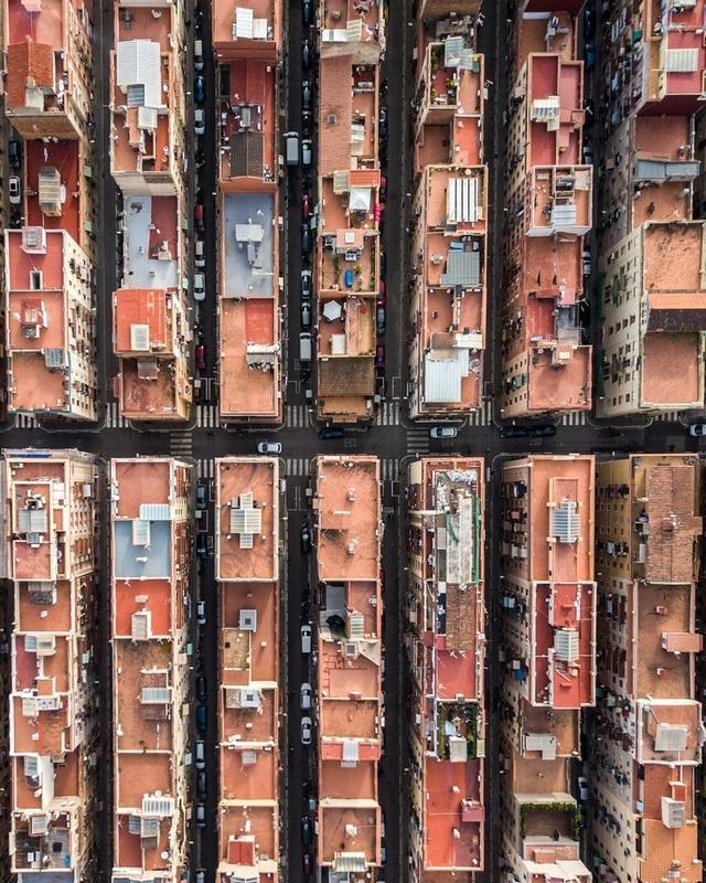 Vẻ đẹp lạ của kiến trúc Địa Trung Hải khi nhìn từ trên cao! - 8