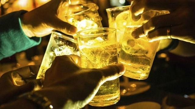 """Luật mới về tác hại rượu bia """"gây sốt"""", cổ phiếu Sabeco, Habeco vẫn tăng mạnh - 1"""