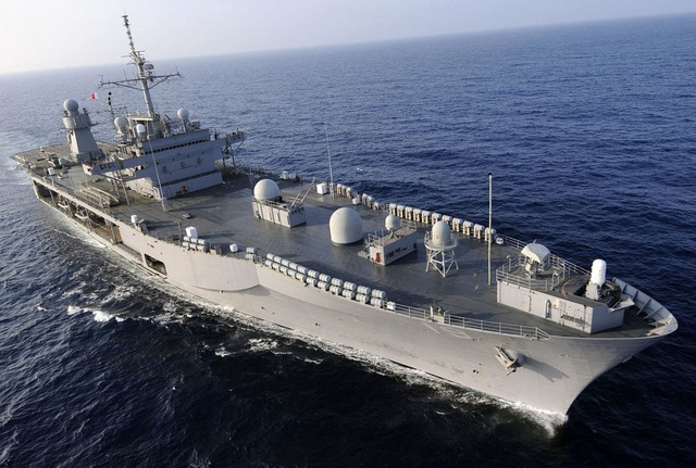 """Tàu chiến Mỹ - Trung chạm trán """"như cơm bữa"""" trên Biển Đông - 1"""