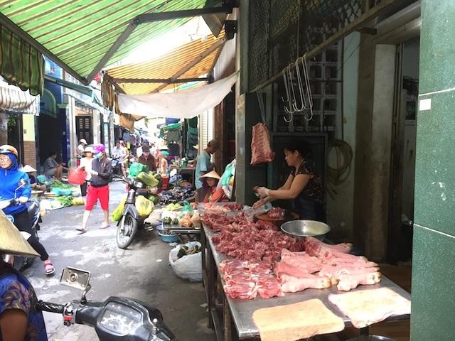 """TPHCM: Người dân """"e dè"""" với thịt ở chợ vì dịch tả heo Châu Phi - 2"""