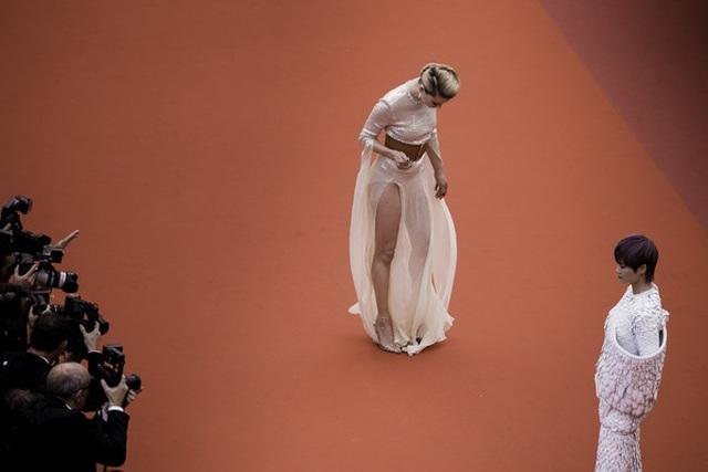 Vợ cũ Johnny Depp khoe chân dài tại Cannes - 4