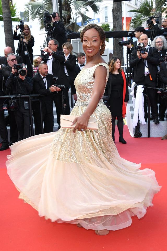 Những người đẹp thu hút mọi ánh nhìn trên thảm đỏ Cannes - 16