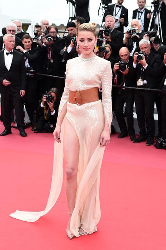 Vợ cũ Johnny Depp khoe chân dài tại Cannes - 3