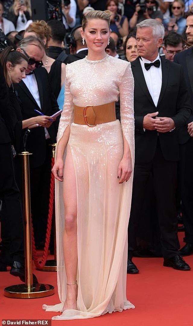 Vợ cũ Johnny Depp khoe chân dài tại Cannes - 5