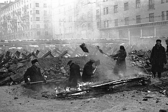 """Nga từng tàng hình Điện Kremlin trước """"mưa"""" hỏa lực của phát xít Đức thế nào? - 3"""