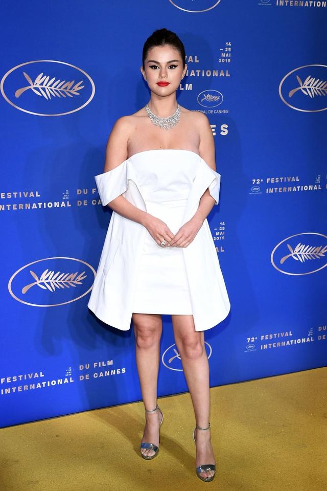 Những người đẹp thu hút mọi ánh nhìn trên thảm đỏ Cannes - 2