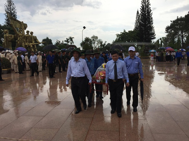 An táng 17 hài cốt liệt sĩ Việt Nam hy sinh tại Campuchia - 2