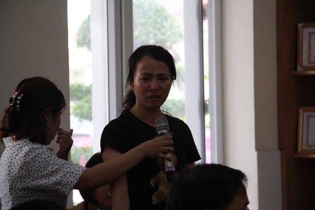 Nước mắt và lời xin lỗi muộn màng của cô giáo tát, đánh nhiều học sinh trong giờ kiểm tra - 1