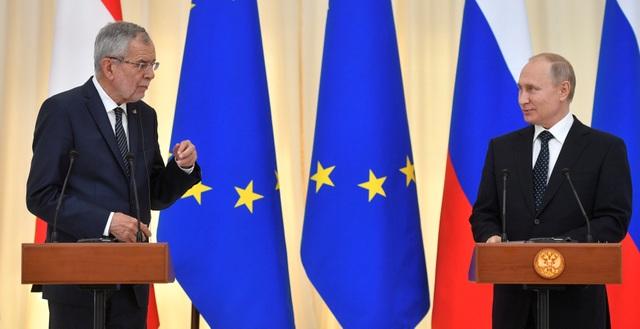 Tổng thống Putin: Nga không phải lính cứu hỏa để giải cứu cả thế giới - 1