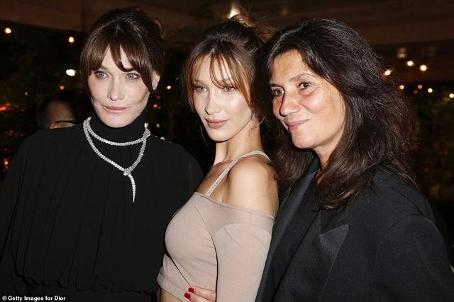 Bella Hadid lộ eo thon quyến rũ tại Cannes - 5