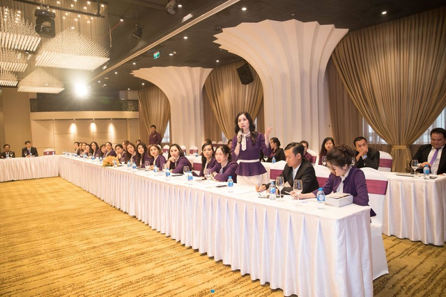 Đại hội Doanh nhân – Tái định nghĩa kinh doanh online cùng mỹ phẩm Huyền Cò - 6