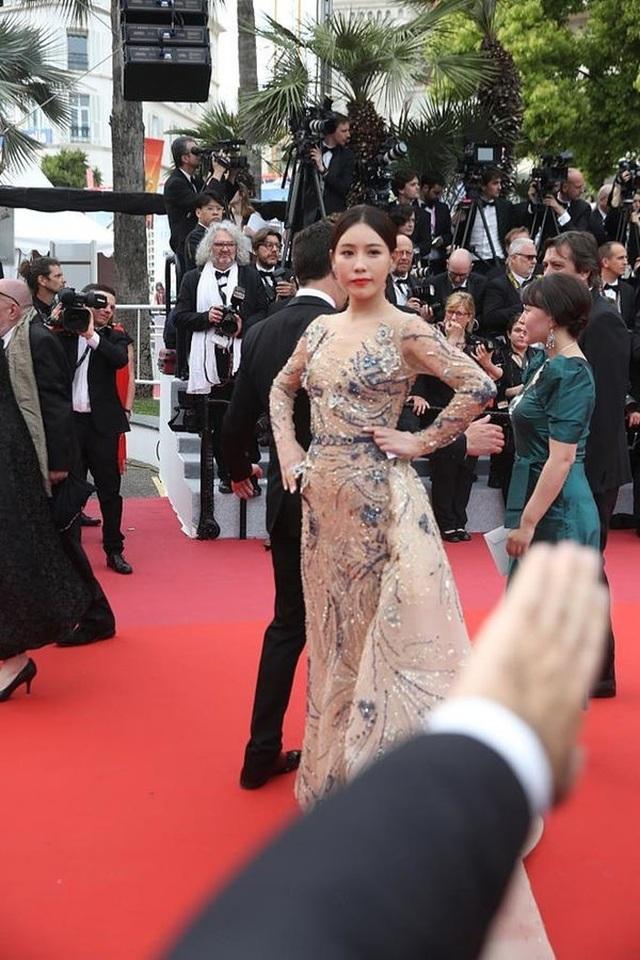 Hai nữ diễn viên Trung Quốc bị ban tổ chức LHP Cannes 2019 đuổi khéo khỏi thảm đỏ - 11