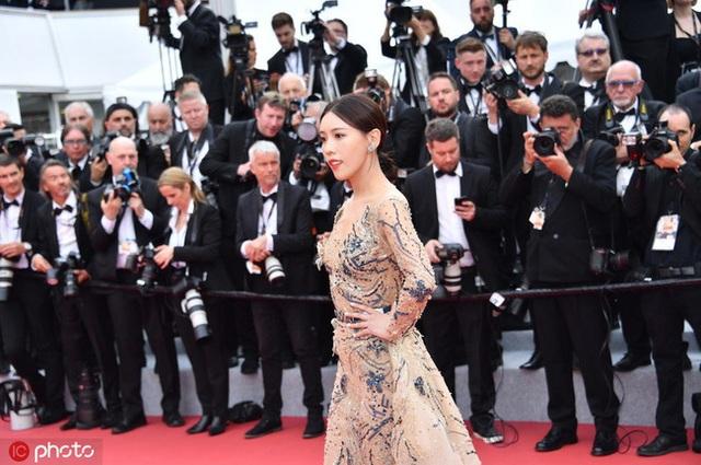 Hai nữ diễn viên Trung Quốc bị ban tổ chức LHP Cannes 2019 đuổi khéo khỏi thảm đỏ - 12