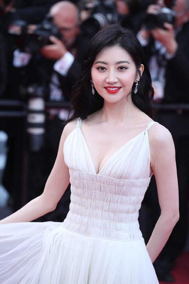 Hai nữ diễn viên Trung Quốc bị ban tổ chức LHP Cannes 2019 đuổi khéo khỏi thảm đỏ - 4