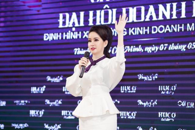 """Doanh nhân Huyền Cò: """"Từ phân tích đến làm mới thị trường mỹ phẩm Việt Nam bằng chính sách vàng"""" - 8"""