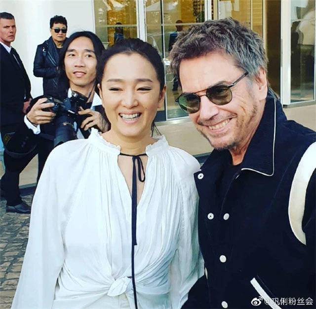 Củng Lợi tay trong tay với bạn trai 71 tuổi tại Cannes - 2