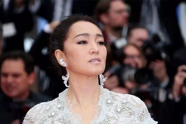 Củng Lợi tay trong tay với bạn trai 71 tuổi tại Cannes - 7