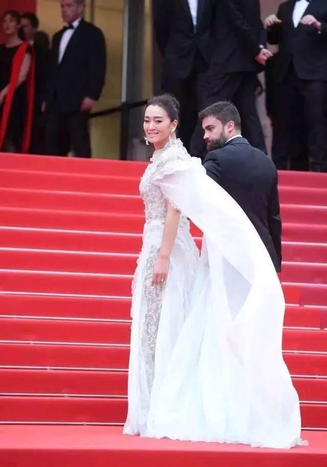 Củng Lợi tay trong tay với bạn trai 71 tuổi tại Cannes - 10