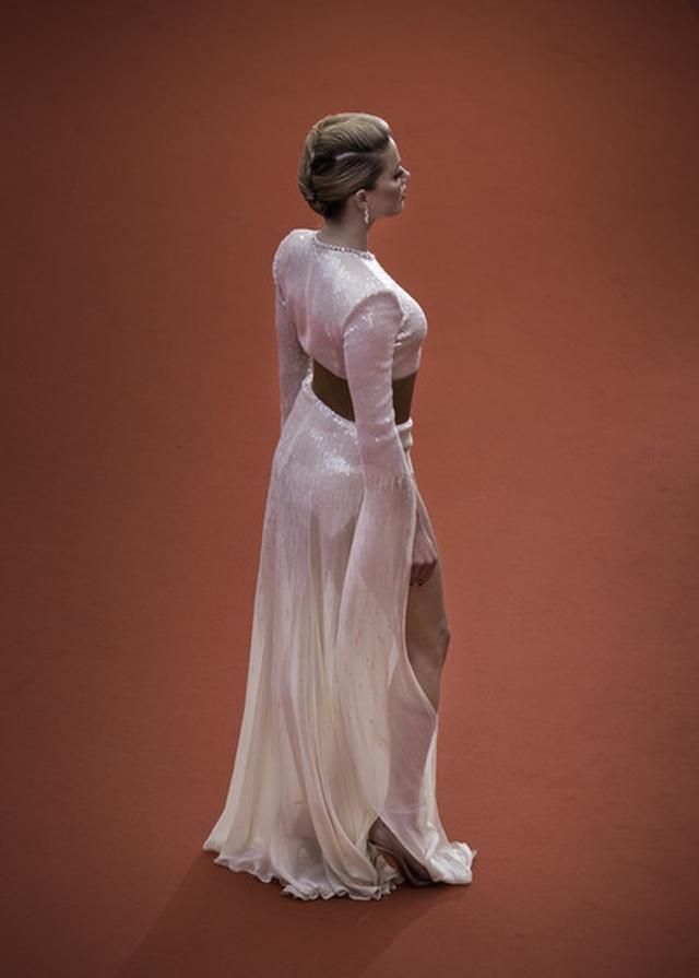 Vợ cũ Johnny Depp khoe chân dài tại Cannes - 10