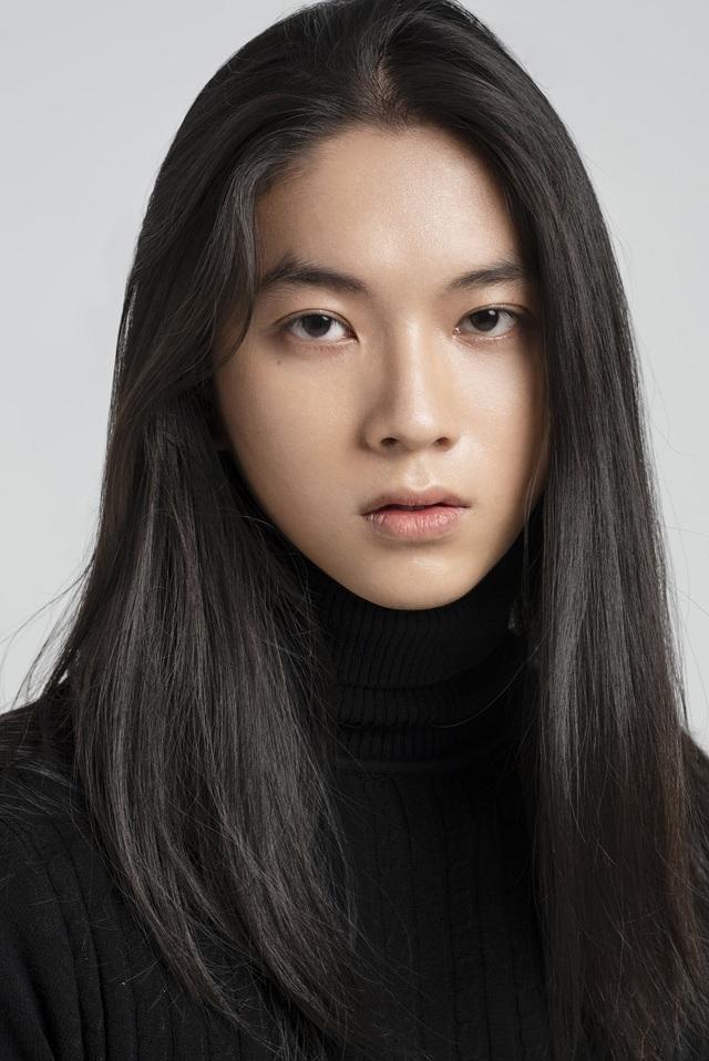 Chàng trai Sài thành có vẻ đẹp phi giới tính thu hút truyền thông nước ngoài - 3