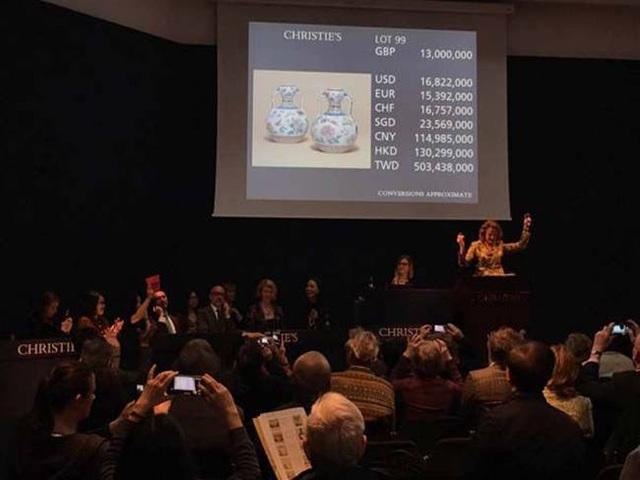 Mua chiếc bình 300.000 đồng về bỏ xó, bất ngờ 30 tỷ đồng rơi vào đầu - 10
