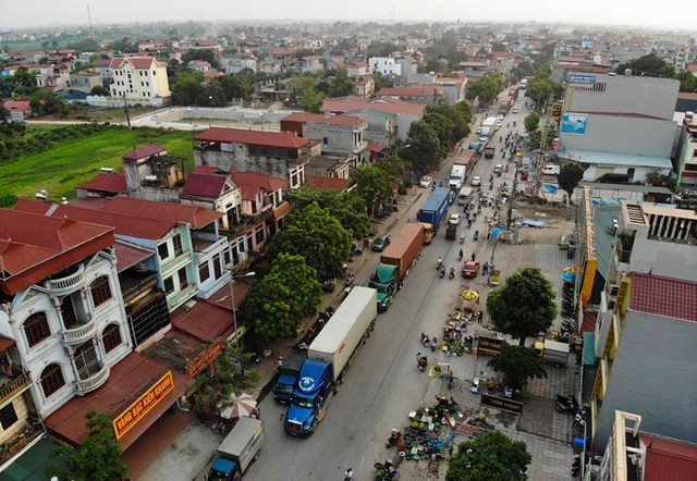 Bắc Ninh: Người dân khổ sở vì hứng chịu xe tải né trạm BOT - 1